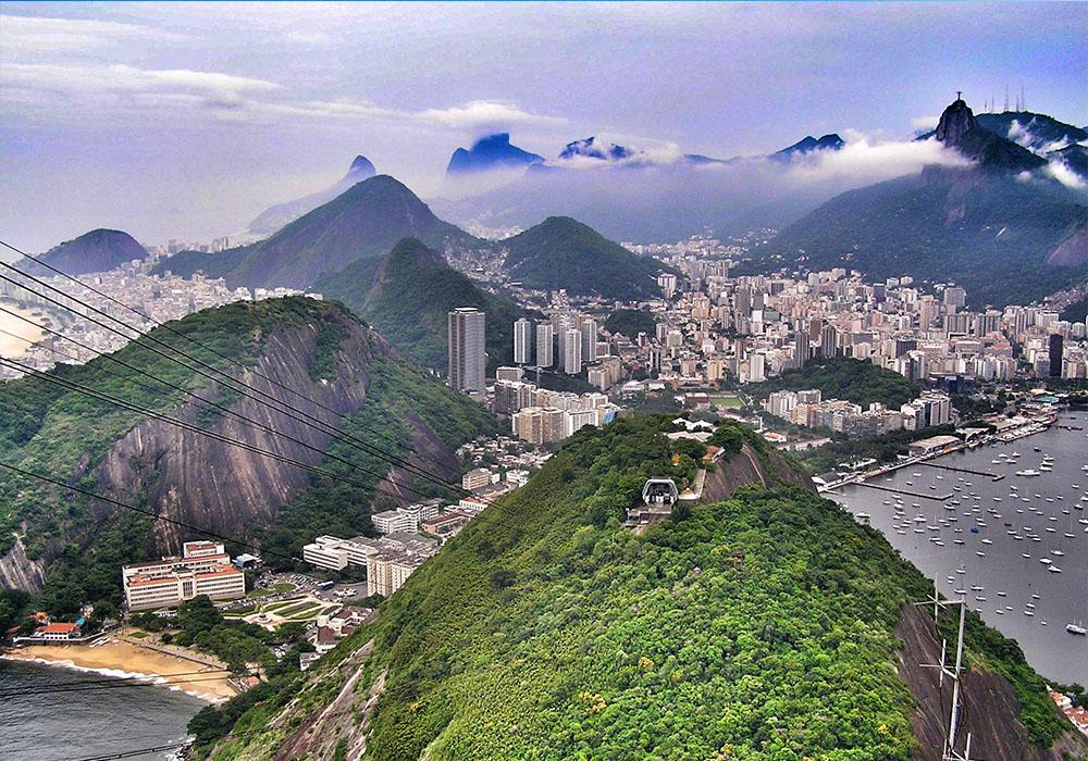 Карнавал и море в Рио де Жанейро